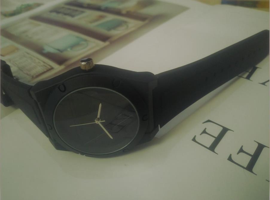 Nuovo Casual Semplice Giallo Giallo Rosso Gelay di Gelay Quartz-orologio da uomo Silicone Strap Ladies Braccialetto orologio da regalo perfetto per le donne Relojes Hombre