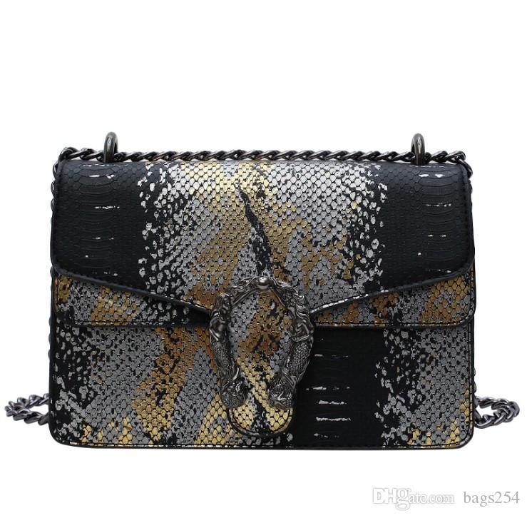 2021 bolsas de hombro de las mujeres otoño e invierno bolsa de compras de alta calidad con descuento patrón de serpiente Moda bolso de moda para mujer Messenger Bag