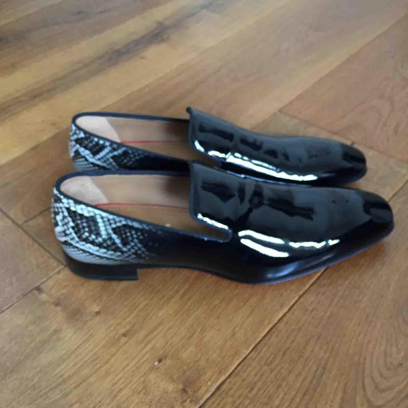 Италия Дизайн бренда (красный нижний) мужские платье обувь Печать Python патентная кожа ухудшает мокасины мужские черные оксфорды плоские шипы обувь с коробками