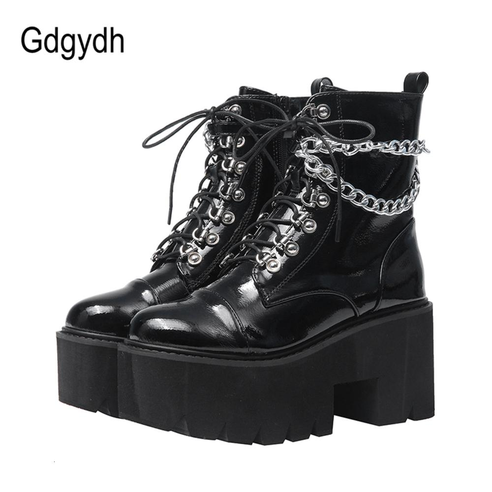 GDGYDH براءات الجلود القوطية السوداء النساء مثير سلسلة مكتنزة كعب منصة الإناث الشرير نمط الكاحل الأحذية سستة