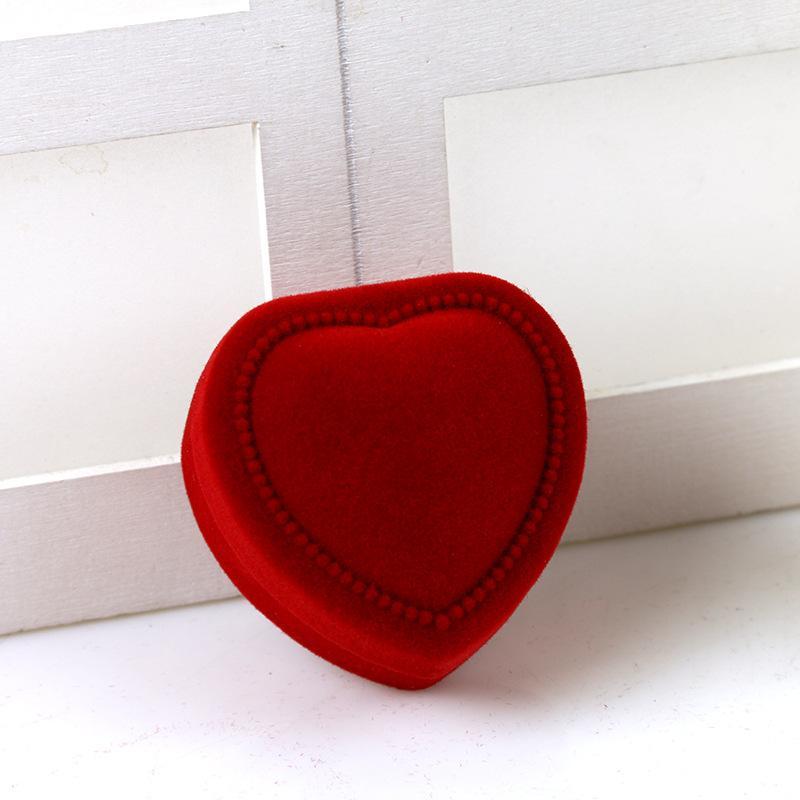 Boîtes d'affichage de bijoux ornements Boucles d'oreilles bague Packaging Coques rouges Pendentifs Ornements Cadeaux Organisateur Love Heart Nouvelle arrivée 1 2HYA F2