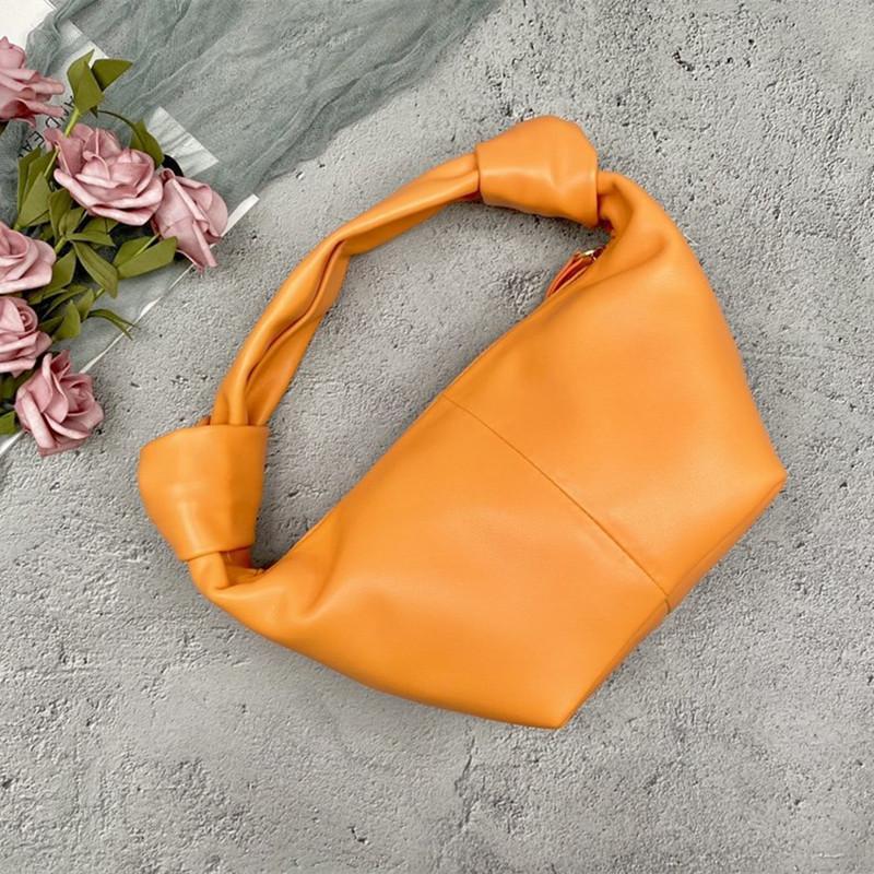 Simple Cloud New Temperament Bag Bolsa de moda Diseñadores Hombro Hombro Hojo Versátil Bolsas Versátiles Diseño de mujeres Generosas Lujos de Lujos de Lujos y SMCAV