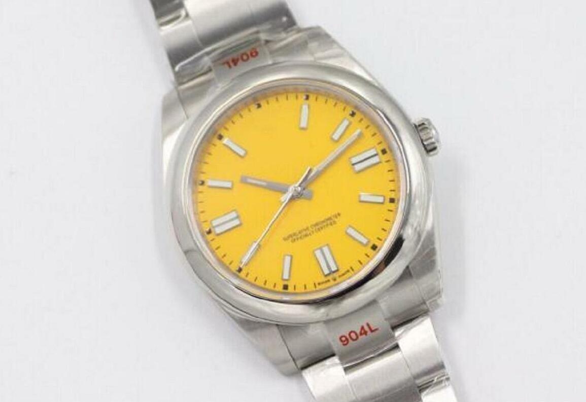 2020 NOUVEAU modèle Hight Quality Hommes Regardez des montres en acier inoxydable Mouvement mécanique Automatic Sapphire Glass Watch 124300