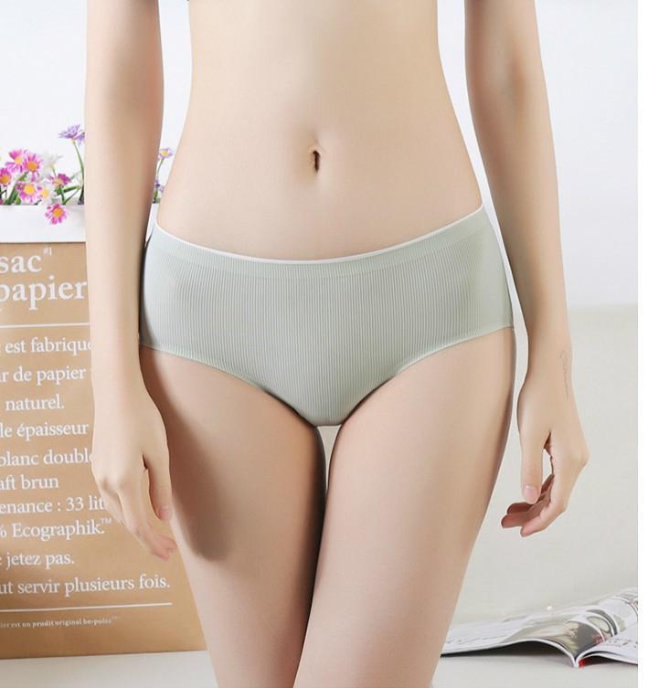Seda de seda panties sin fisuras bragas acogedoras femenino calzoncillos de la moda creces a la moda dama media cintura pantalones cortos de alta calidad enines
