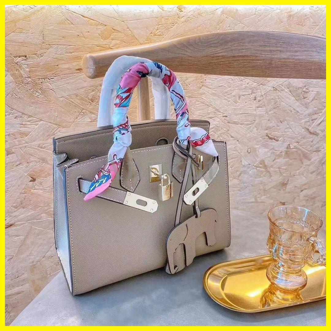 حقيبة جلدية الشريط، حقائب النساء حقيبة يد مصمم الشهير حقائب السيدات حقيبة يد الأزياء حمل حقيبة حقائب نسائية حقائب الظهر
