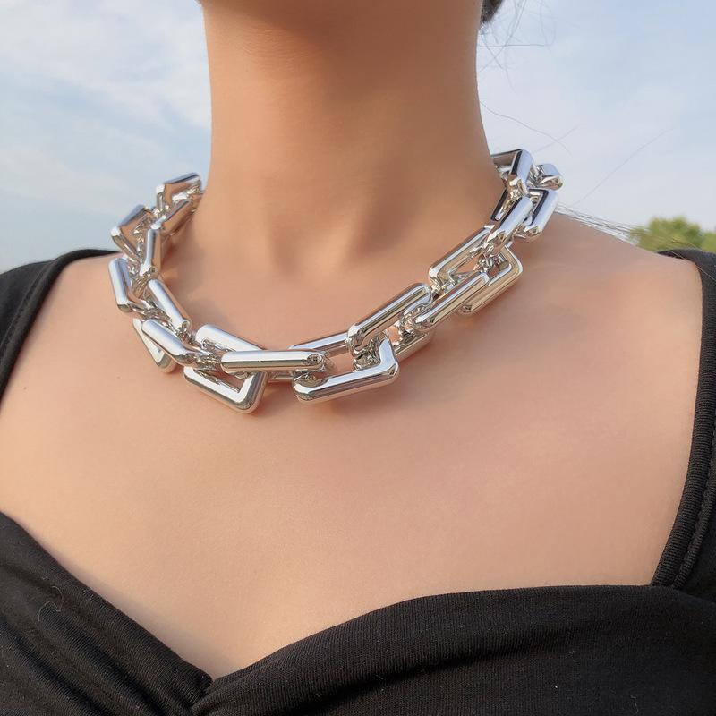 Ketten minimalistische übertriebene Goldfarbkette Halsketten für Frauen Weibliche Legierung Punk Chokers Halskette Anweisung Party Schmuck 2021