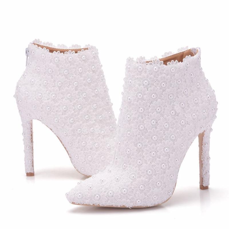 Heiße weibliche Hochzeitsstiefel Frauen Schuhe Spitze High Heels 11cm Spitze Perle Elegante Damen Schuhe Knöchelstiefel Süße Braut