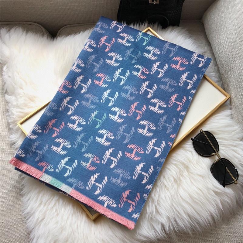 80Vs New Mode Designer Soie Silk Sale Vente Chaude Femmes Printemps Sprin Sprin Hiver Foulard Boîte De Marque Taille des écharpes 6 Couleur avec 180x70cm Opti