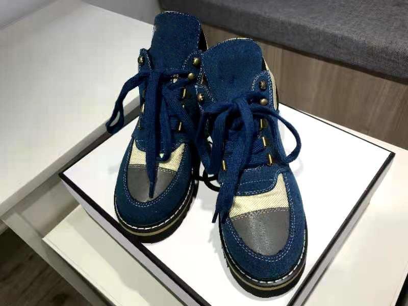 2020 أحذية الكاحل إمرأة أحذية رياضية الشتاء أحذية بني أسود مكتنزة حذاء مارتن الأحذية الأزياءقناة أحذية في الهواء الطلق sin3s.