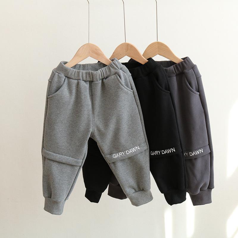 Otoño y 2020 Pantalones de deportes de peluche de una pieza de New 20120, ropa de invierno para niños, pantalones de ocio versátiles H7