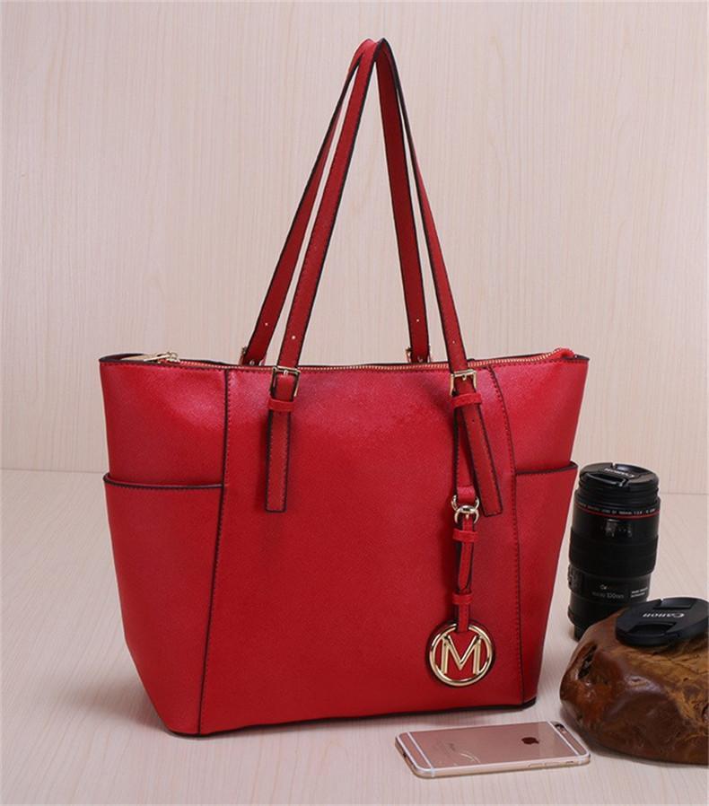 2021 Famás Fank Fashion Woms Bags PU Cuero Lujo Bolsos de lujo Bolsas de marca Famosa Monedero Bolsa de asas de hombro Mujer M820-K-820