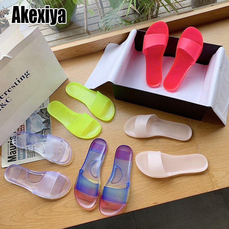 2021 النساء جيلي النعال الصيف الحلوى الألوان شفافة عارضة الشرائح المرأة الأزياء الانزلاق على شقة شاطئ حذاء في الهواء الطلق j1205