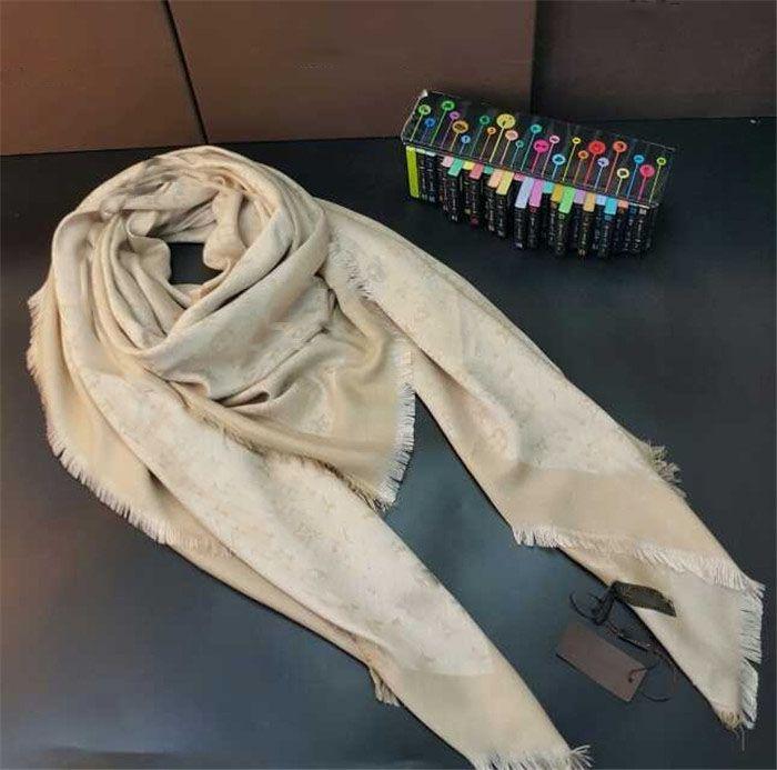 Sciarpa calda per donna sciarpa di seta di lana sciarpa donna sciarpe 2018 moda quadrata Sciarpe taglia 140x140cm senza scatola JA32A