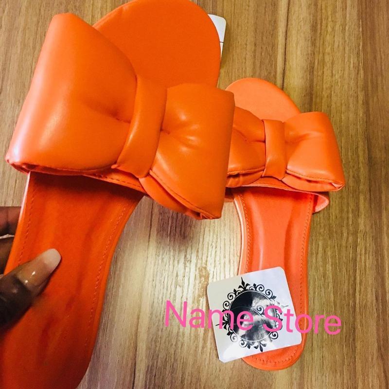 2021 Sommer Neue Frauen Flache Sandalen Massivfarbe Bogen Hausschuhe Offene Köder Outdoor Damenschuhe Plus Größe 42