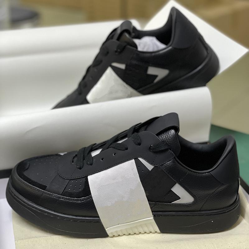 جديد vl7n تنقش منصة المدربين الرجال النساء الثلاثي s أحذية أسود أبيض جلد الغزال جلد حذاء عاكس الدانتيل متابعة اللباس الأحذية مع مربع