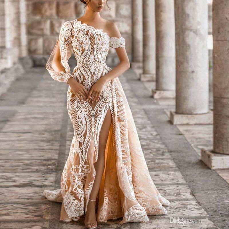Neueste anmutige Hochzeitskleider Champagne Eine Schulter Oberschenkelschlitze Meerjungfrau Brautkleider Langarm Spitze Appliques Vestidos de Novia