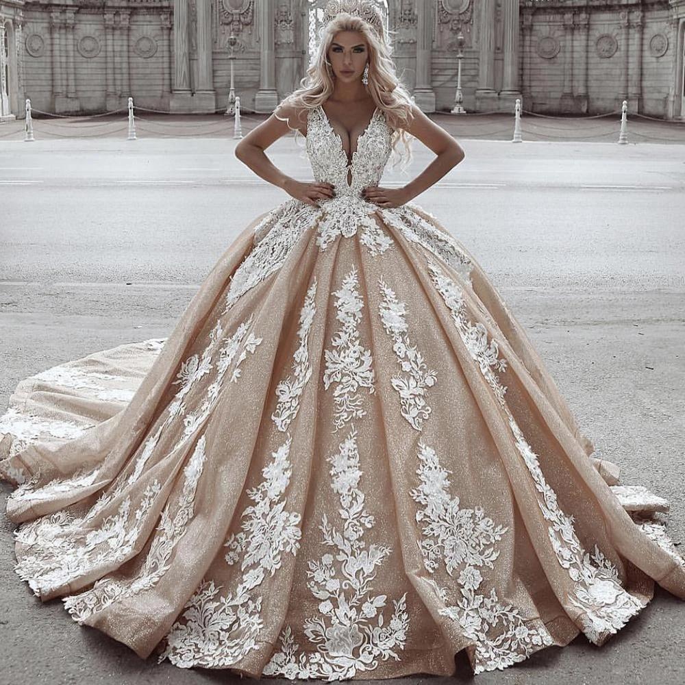 Gorgeous 2021 Gold Lace Ball Vestidos de novia Encaje apliqueado apliques Sparkly Princess Dubai Vestidos nupciales V Vestido de matrimonio Vestido de Noiva