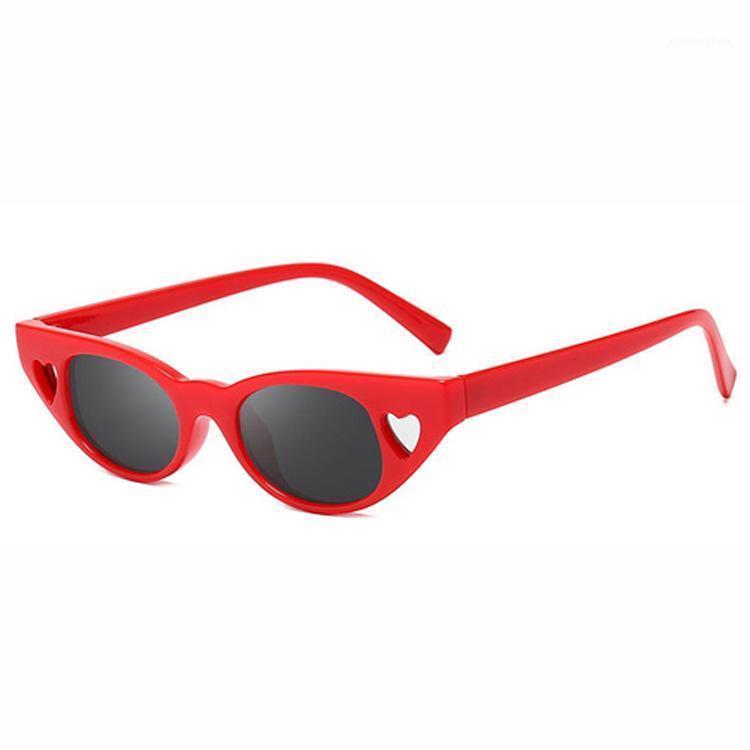 Protección Diseñador de ojos 2020 HEART MUJERES 1814 Material Marca Gafas de sol Plastic Hollow Vintage UV400 Lentes Cat Eyewear1 VRVIA