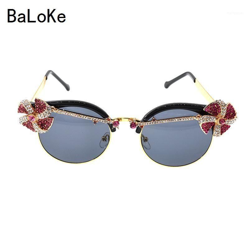 Retro europeo estilo diseñador de la marca Señoras talladas Gafas de sol exageradas Party Sun Gafas de sol Mujer Charm Decoración de gafas1