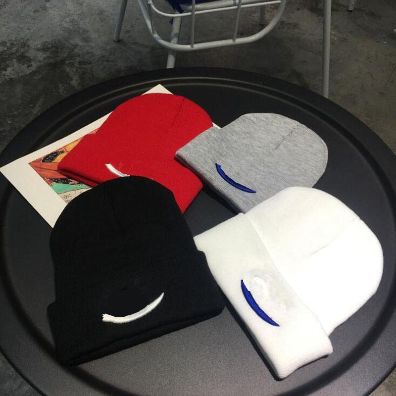 Unisex вязаные шляпы осенние шапочки женские девушки черепные колпачки теплые крючком шляпа Федора вышивка буквами вязание шансы наружные уха муфты лучше всего
