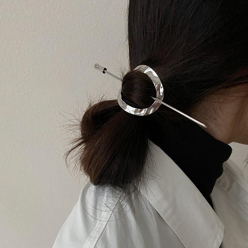 Moderne einfache metall haarnadel retro faule stil haargabel elegant ins net rot kalt stil haarschmuck