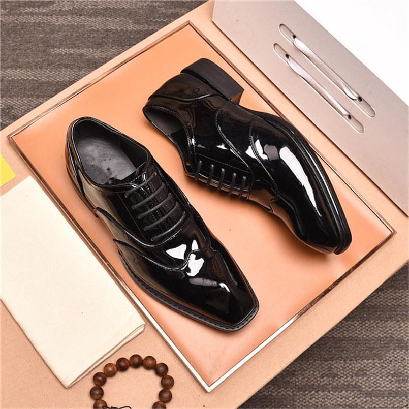 19SS Mode de luxe Chaussures en cuir homme Hommes Oxford Chaussure pour hommes Business Mariage Robe Chaussures Men Chaussures Formelle Zapatos Hombre Vestir Yecq1