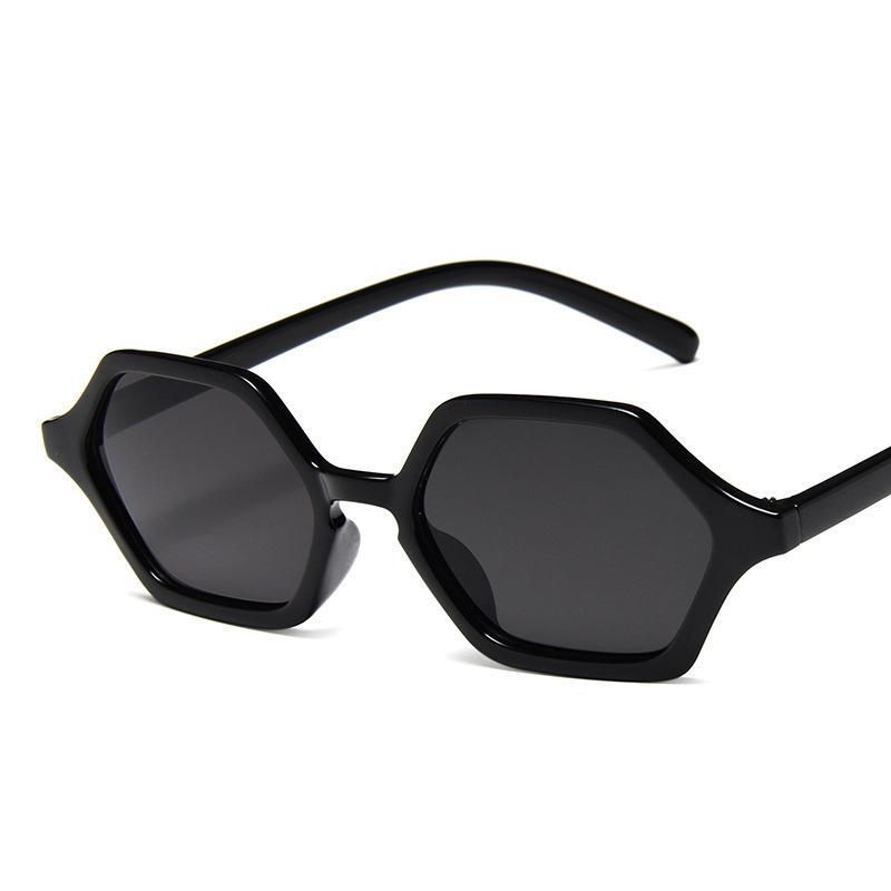 NOUVEAU Polygonal Small Femmes Sunglasses Sunglasses Metal Charnières Lunettes Trend Street Verres Gnoef