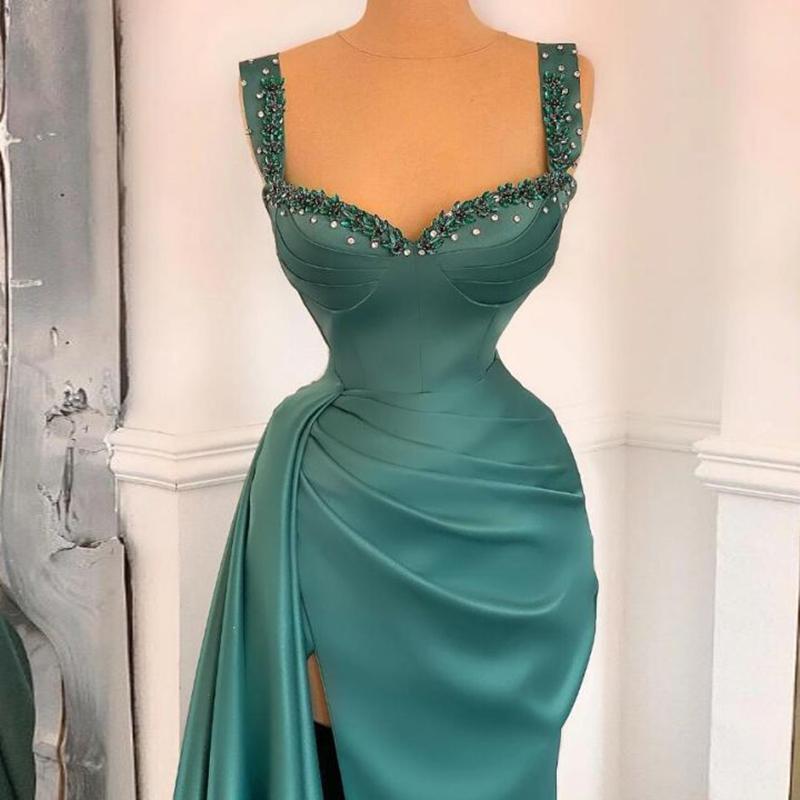 Élégante robe de bal satinée sombre et foncé robe Spaghetti Satin drapé perlé de la soirée de soirée de soirée de soirée haut de la face High Split Robe de Soirée