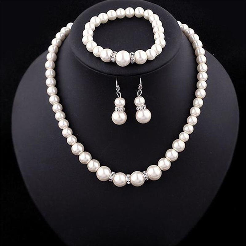 Set di gioielli collana di perle Elegante fascino Donne Bracciali perline Bracciali di ribalta Regali Personalità Collarbone Auricolari Ornamenti Attili 2 8xQ m2