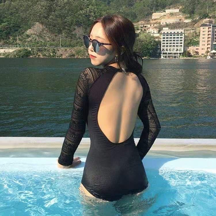 Corriente coreano 2021 Nuevo traje de baño para mujeres Slim Fit y protector solar Manga larga Conservador de una pieza Bikini Traje de baño 131