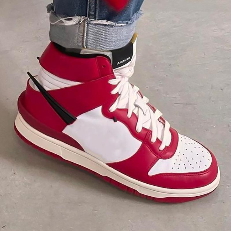 2021 Yeni SB Dunks Orta Siyah / Beyaz Erkek Basketbol Ayakkabıları Chicago Derin Kraliyet Mavi Ambush X Dunks Yüksek 1s Sneakers Spor Açık Eğitmenler