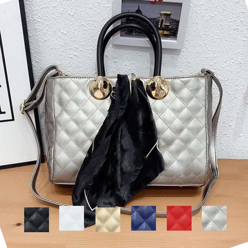 luxurys designers crossbody bags wallet shoulder tote bag mens womens Sport Outdoor Packs purse Silk scarf key chain black leather 193014