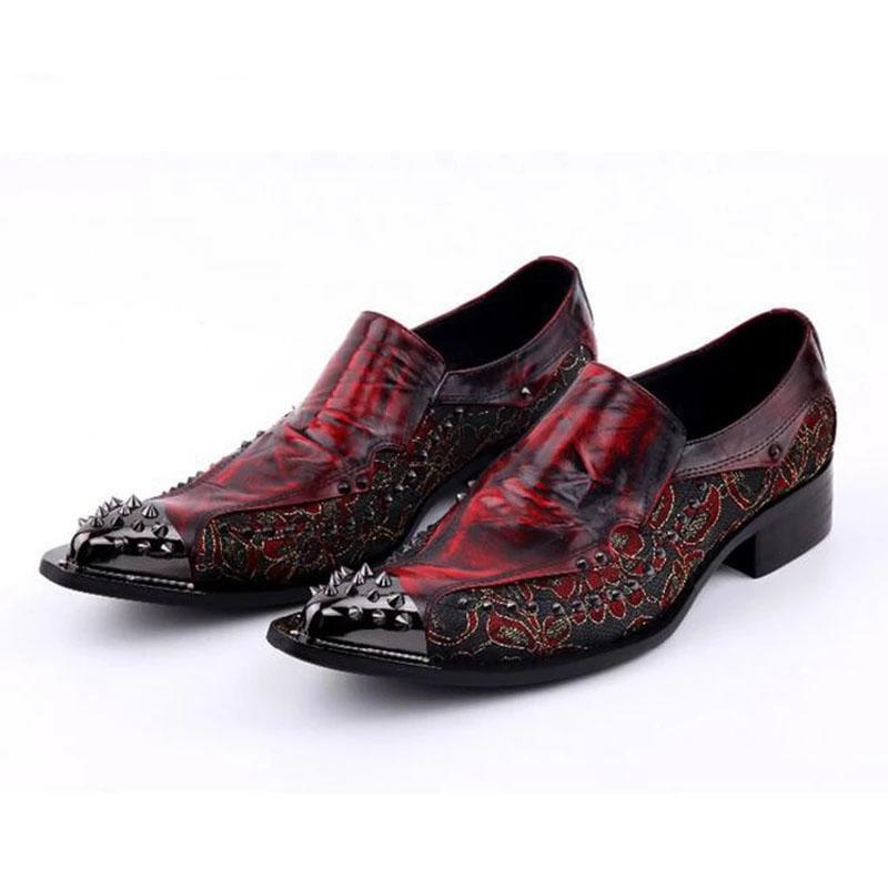 Luxe 2020 Nouveaux Hommes Chaussures Hommes à la main pointues Toe Toe Tip Tip Spikes Hommes Robe Chaussures Slip sur Semennig Party Mariage Chaussures Taille 38-46