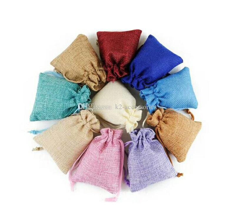 100 قطعة / الوحدة 7x9 سنتيمتر 9x12 سنتيمتر متعددة الألوان البسيطة الحقيبة الجوت حقيبة الكتان القنب مجوهرات هدية الحقيبة أكياس الرباط لحضور الزفاف، الخرز