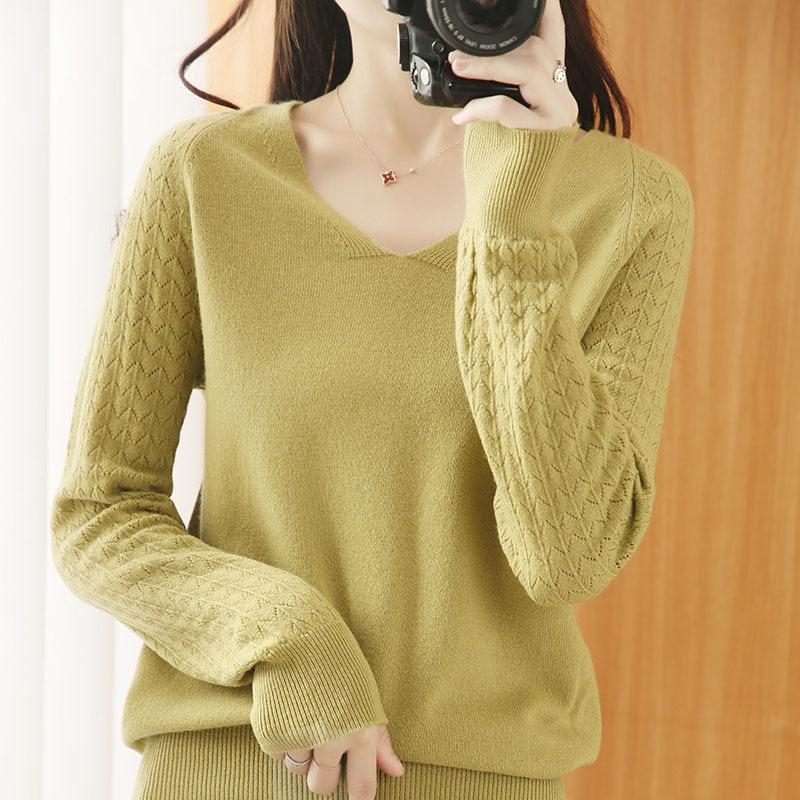 Женская V-образная выречка чистый шерстяной свитер осенью и зимой новая рубашка мода лучей пустой вязаный дна
