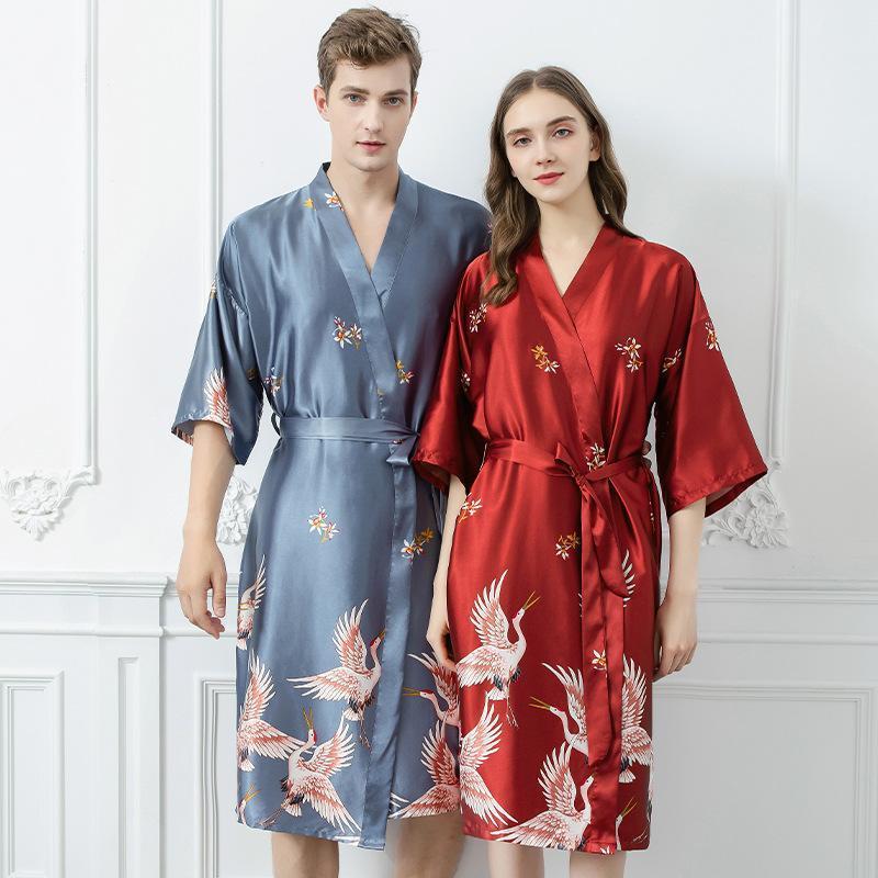 Sleepwear da donna Coppie Nightcloth Donne Stampa NightGown Manica Corta Accappatoio da uomo Satin Kimono Pigiama Men Sexy Robe Home Service