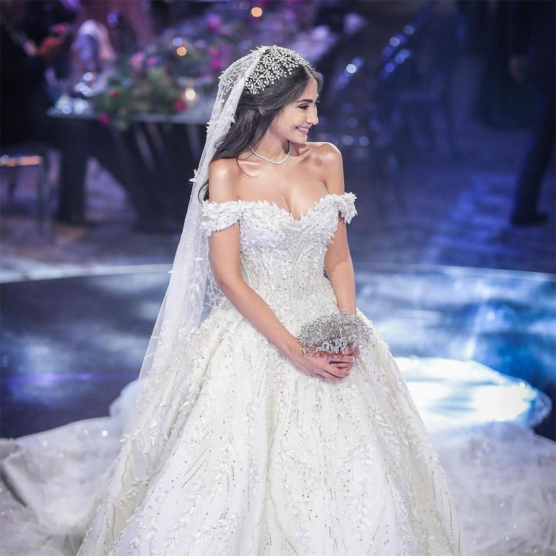 Off плеча A Line Свадебные платья Блестки Кружева Appliqued Часовня Поезд Свадебные платья для свадебной церемонии 2020 Plus Размер Платье-де-Novia