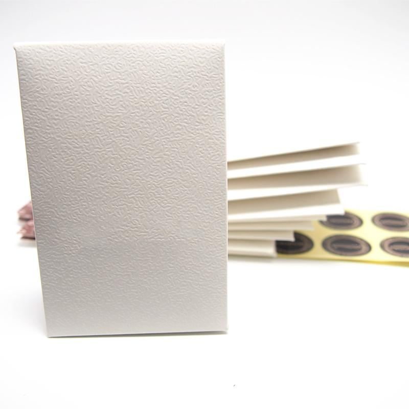 Iniciar 20 pcs amostra mini papel branco caixa pacote saco de presente para panela charme colar brincos anel pingente jóias embalagens