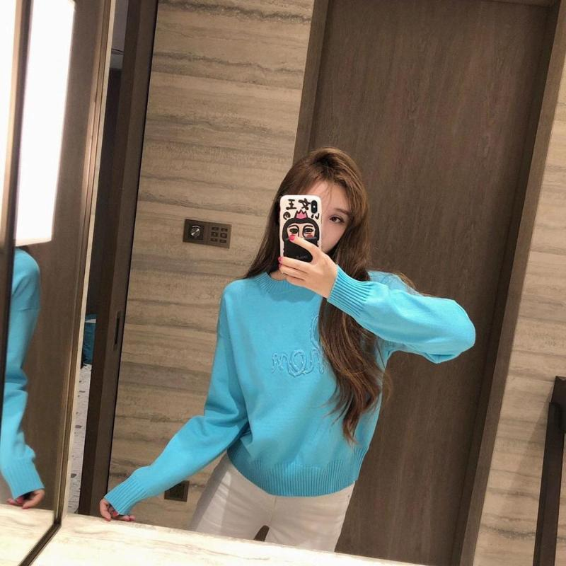 2020 가을 겨울 브랜드 디자인 새로운 하이 엔드 자수 편지 로고 페르시 스웨터 여성 느슨한 풀 오버 니트 탑스 30539
