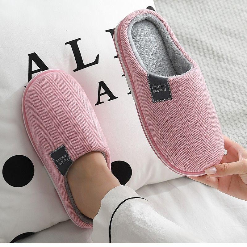 Invierno Cálidas Zapatillas para mujer Casa Damas Zapatillas de interior Zapatos de algodón de peluche suave Hombres Amantes de los hombres Dormitorio Femenino Cálido Slides 201204