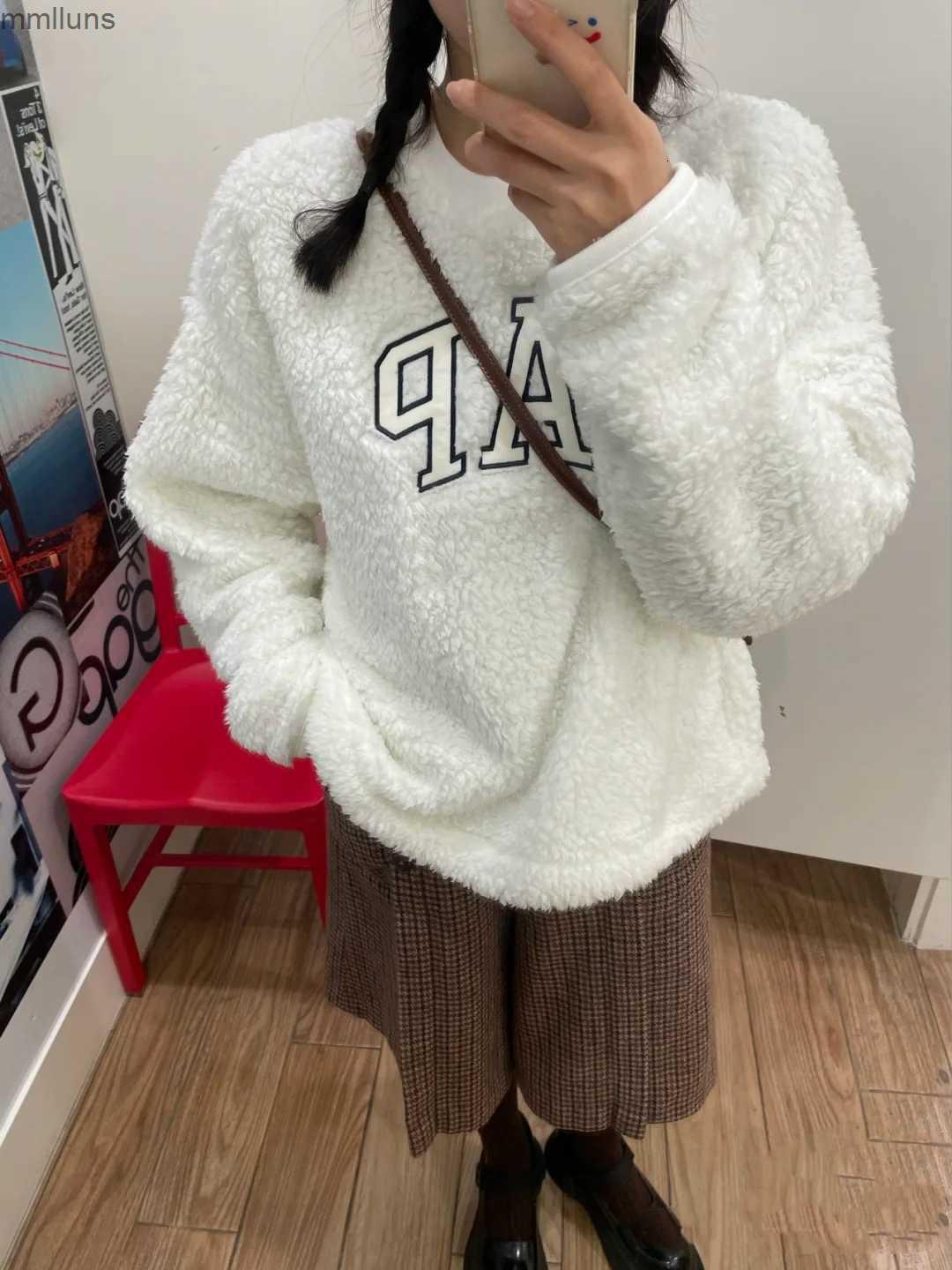 letter Gap clothing Oioi autumn and winter embroidery cashmere Plush warm round neck long sleeve sweater women