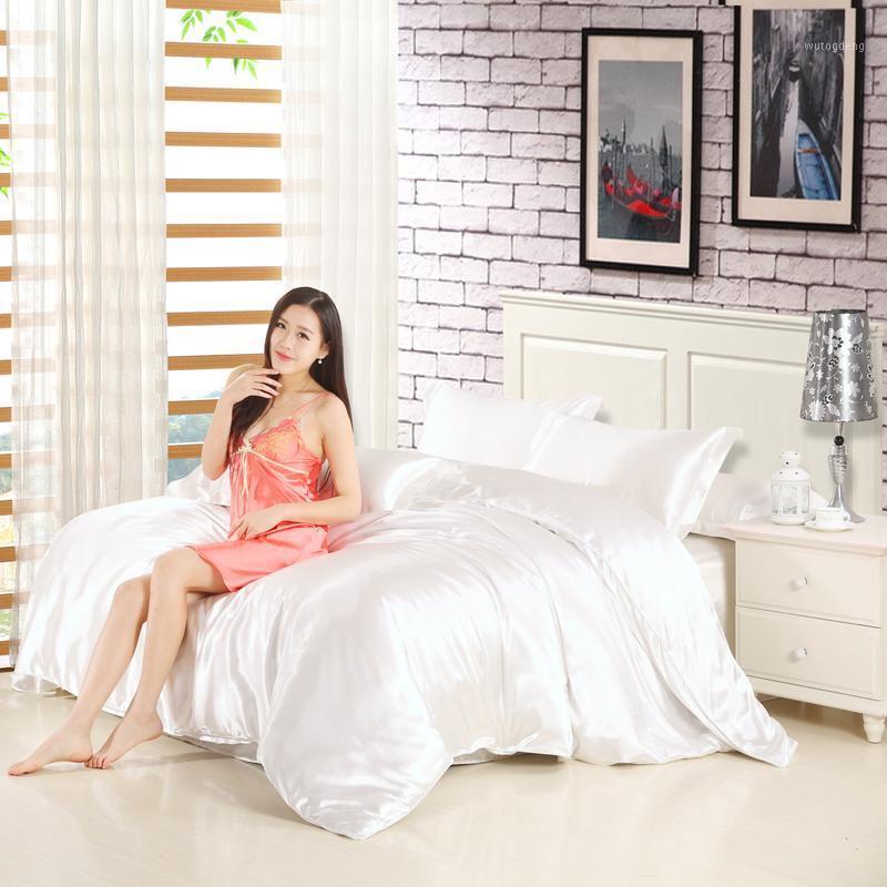 Оптово-современный стиль белый мягкий бархатный пуховик хлопчатобумажный шелковый одеял крышка одеяла + постельное белье + подушка 4 шт. Спальня Double1