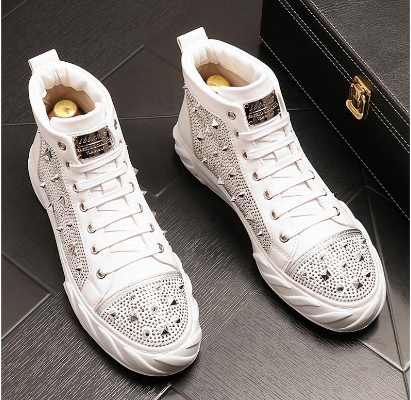 Nouveaux chaussures hommes de luxe cuir véritable en cuir entraînement Oxfords Appartements Bottes Bottes Merces Mocassins Mocassins Italien pour hommes Robe de mariée Chaussures 38-46