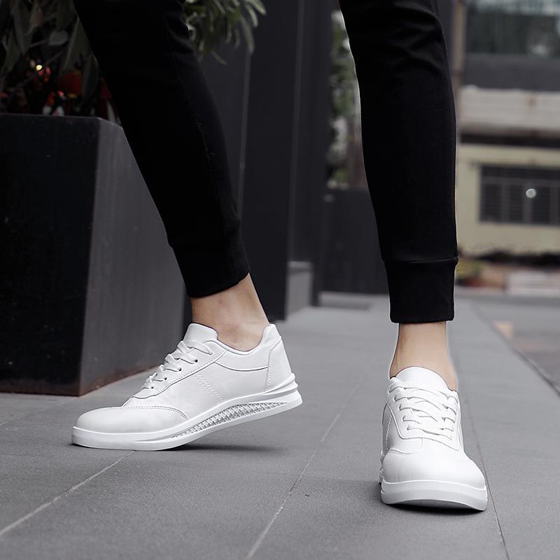 Los hombres superiores de las mujeres mejor deporte de triple blanco negro zapatos de lona hombre de la calidad al aire libre para correr zapatillas de deporte entrenador zapatos para caminar casuales 40-44