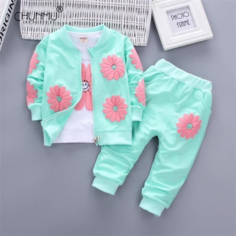 Baby Girl Одежда одежды Весенняя одежда для детских девочек малыш хлопчатобумажная бабочка топы + брюки набор маленькая девочка одежда 201126