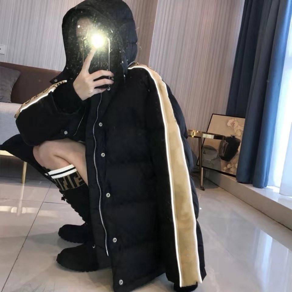 I più nuovi uomini di marca Jacquard Nylon Cappotto imbottito con cappuccio rimovibile Tasto Snap Pulsante con zip Pocket Designer maschio Riflettente Strip Piumino