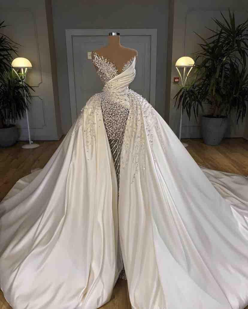 Arabisch-Dubai-Perlen-Groß-Perlen-Meerjungfrau-Brautkleider mit abnehmbarem Zug 2021 Vintage Satin Sheer Nackengermten Brautkleider Al8541