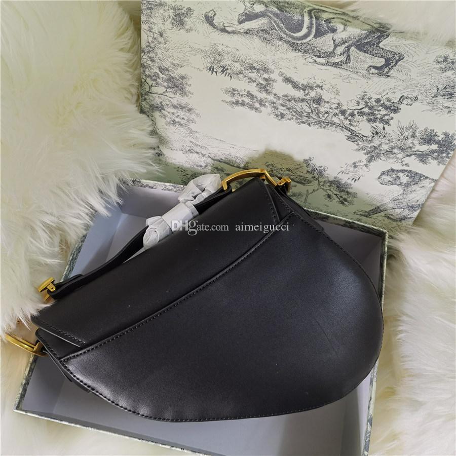 2020 핸드백 안장 가방 숄더 스트랩 지갑 금속 펜던트 숄더 백 여성 크로스 바디 가방 쇠가죽 채찍질