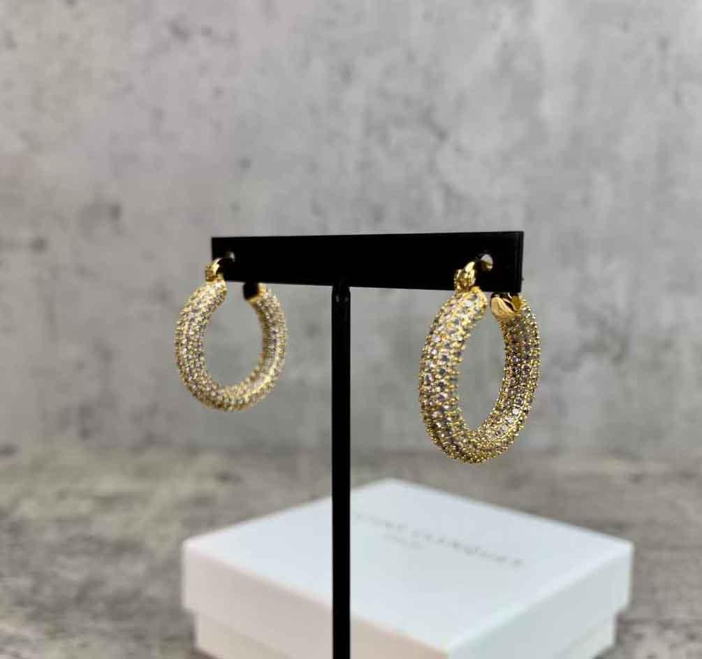 2021 Forma redonda de alta calidad con todos los pendientes de gota de diamante para las mujeres Regalo de joyería de boda PS8682