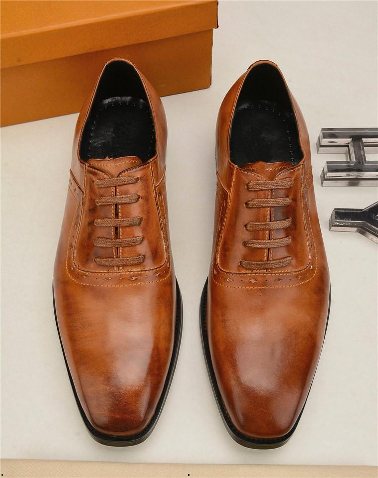 Fashion Slip On Men Dress Shoes Men Uomo Oxfords Fashion Business Abito da uomo Scarpe da uomo 2020 Nuovo designer Classic in pelle da uomo in pelle scarpe da uomo